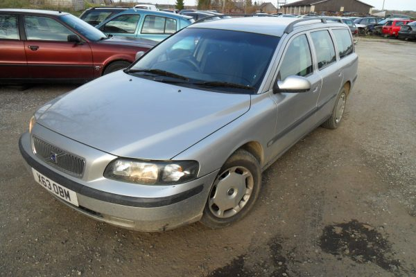 VOLVO V70 2,4 125kW aut. 2000